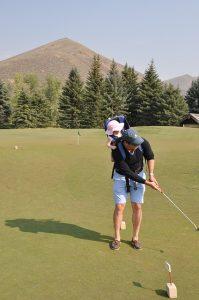 55e3d74a4957b108f5d08460962d317f153fc3e45657774a77287ad791 640 199x300 - Tips, Tricks And Techniques For Better Golfing