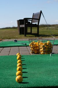 57e9d3414e55a414f6da8c7dda793278143fdef85254774e752b72dc964e 640 200x300 - Golf Getting You Down? Expert Tips To Up Your Game