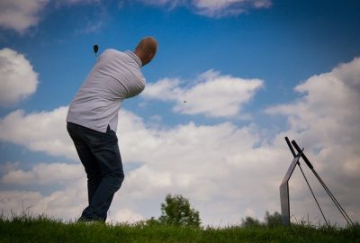55e8d1464c57b108f5d08460962d317f153fc3e45656724d722b7cd19f 640 400x270 - Golf Is A Simple Game When You're Educated And Have Some Good Tips