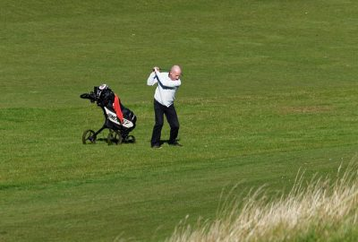 5fe7d54a4a52b108f5d08460962d317f153fc3e456567540752a7ed39e 640 400x270 - Need Help Playing Golf? Try These Tips